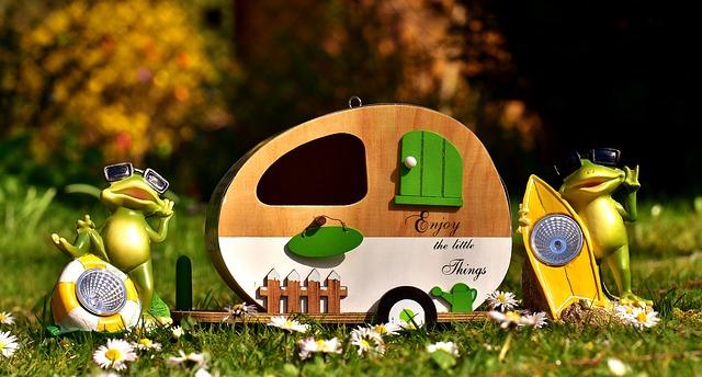 žáby a karavan.jpg