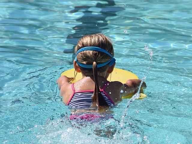 plavání na destičce